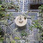 le jardin intérieur avec sa fontaine