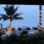 Utsikt från vår bungalow.