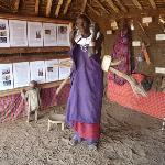 Olpopongi Museum mit einer Massai Lady