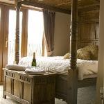 Casa - Feature Room