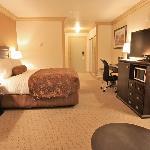 Standard Guestroom 1 Queen Bed