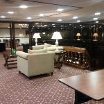 Un pequeno lobby del 2do piso