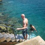 ingresso in acqua con pratiche scale