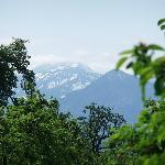 Blick auf schneebedecke Alpen