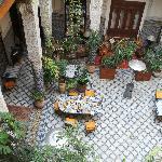 le patio, après le petit déjeuner