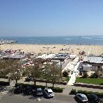 Vista sulla spiaggia dal balcone della camera.