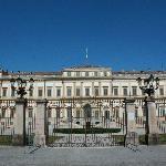 La facciata della Villa Reale