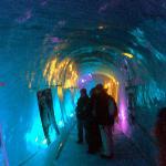 Imagen de una de las galerías de la gruta excavada en el glaciar.
