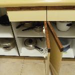 1BR/2BA Garden View: Kitchen Utensils