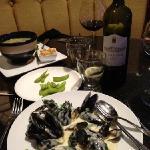 mussels in gorgonzola sauce yum yum