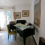 Living Room - Piano, map to Luberon and coffee