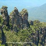 The Three Sisters, iconic rock formation. Blue Mountains in Katoomba outside Sydney.