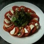 salad tomato-mozzarella