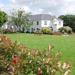 9 Acres of Landscaped Gardens