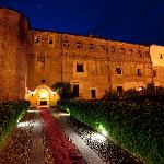 Castello dei Solaro in notturna