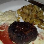 Petit filet and 2 sides