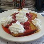 Texas (?) French toast w/strawberries