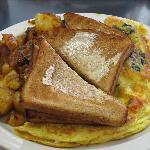 House omelet w/potatoes & toast