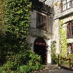 Ivy-covered front entrance to the hotel.