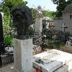 Toma Caragiu's Grave