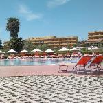 vue sur l'hôtel, de la piscine