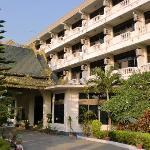 国営New Kyaing Tong Hotel