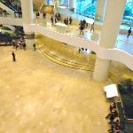 C.Comercial Pacific Place bajo el hotel