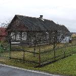 On the road to Novgorad there are many such houses