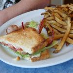 Buck Meadows Restaurant and Bar照片