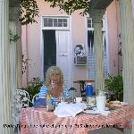Diner dans le jardin