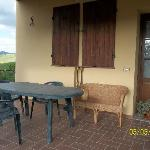 """il patio davanti alla porta della """"nostra casa""""..."""