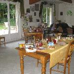 The breakfast area and living room