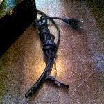 Lampen waren nicht angeschlossen und Kabel notdürftig mit Klebeband reparier