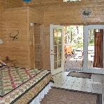 Private cabin with out door 4 person hot tub