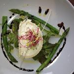 asparagus & goats cheese