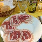 La pancetta arrotolata, il salame rustico ed il terribile olio