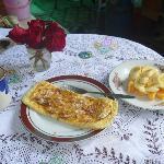 朝食はパンケーキかジャッフルが選べます デザート飲み物付き