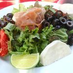 mozzarella sun dried tomatoes olives proscuitto salad