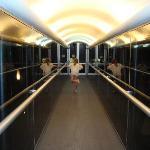 Pasillo para acceder al Spa y Piscina climatizada