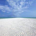 bianchissima spiaggia al jacaranda