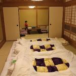 「平安亭」2間続きの広い客室