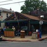 Davis' Pub