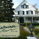Lakewinds Country Manor