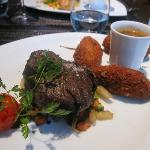Beef fillet with pepper Selim, chiffon cakes and tandoori vegetables