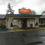Seasons Grille entrance