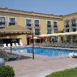 Very nice pool area!