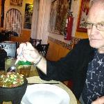 Their Guacamole con chicharrones