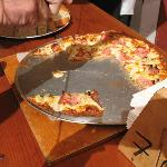 pizza served during wine tasting at La Casa de Dona Lupe