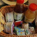 Breakfast at Tiffany's basket