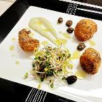 fried fish, topinambur, olive di Taggia e insalatina di germogli